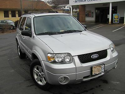 2006 Ford Escape Hybrid Sport Utility 4-Door 2006 FORD ESCAPE HYBRID 4WD/AWD Excellent Shape Well Maintained 100% RUST FREE