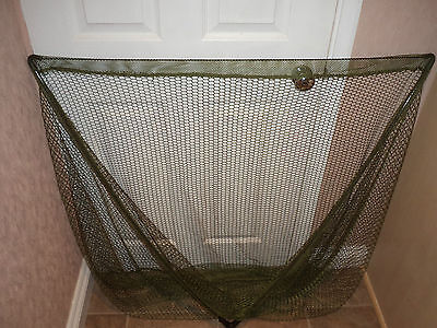 """A New Ngt 42"""" Carp Fishing Landing Net.in Black With Spreader Block"""