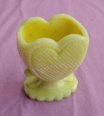 BOYD rare yellow white MILK SLAG GLASS HEART TOOTHPICK HOLDER nice condition YES