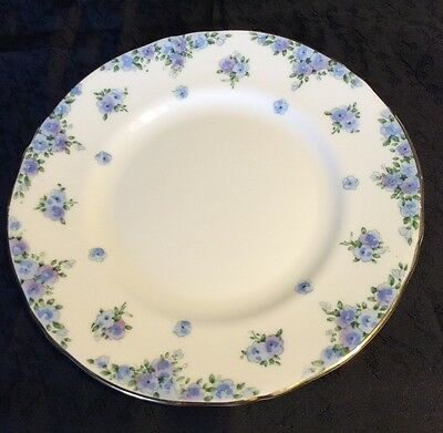 """Crown Staffordshire F14895 Luncheon Plate 8""""; Blue Corn Flowers"""