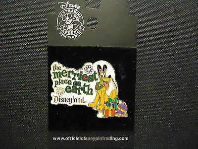Disney Dlr The Merriest Place On Earth 2002 Pluto Pin On Card