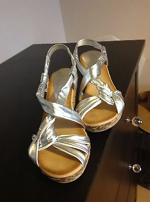 Marila Leather, Silver & White, Size 6, Wedge Sandals.