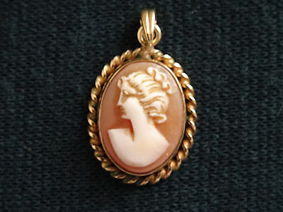 Vintage Rolled Gold Small Shell Cameo Classical Woman Oval Jewellery Pendant