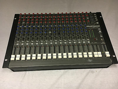 MACKIE 1604 16 Channel Mixer with Rack Mount Kit