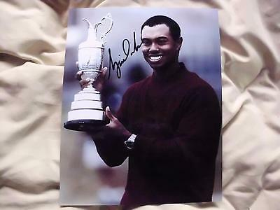 Tiger Woods Autographed 8X10 Photo Awesome Signature , Perfect Gift