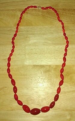 Vintage 1950s red opaque graduated glass bead necklace