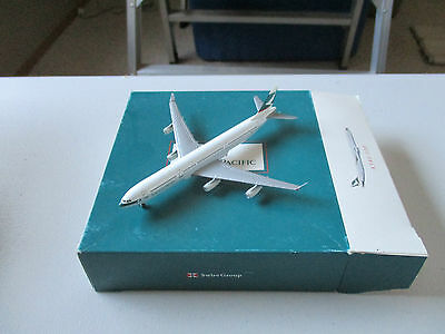 Herpa Wings  Cathay Pacific A340-300  Version 2   B-HXB