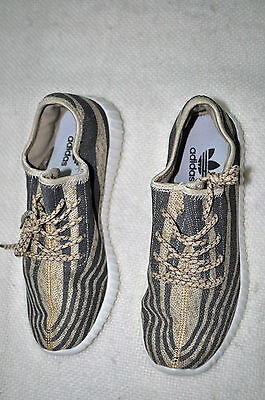 Women's Athletic shoes size USA 7