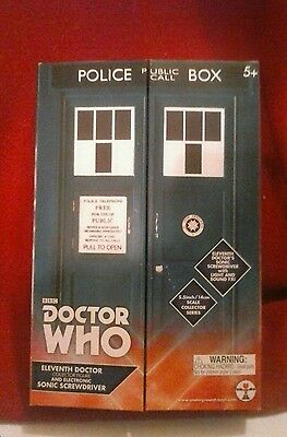 Doctor Who 11th Doctor Figure & Sonic Screwdriver Set in Tardis Box