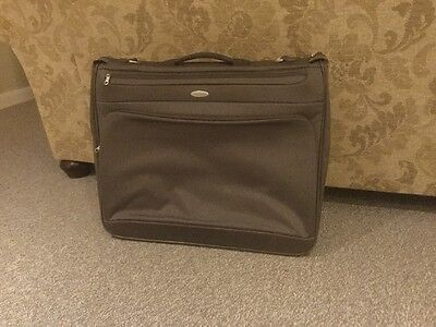 Samsonite Suit Carrier Folding Garment Bag. Glisten III. Holds Two Suits