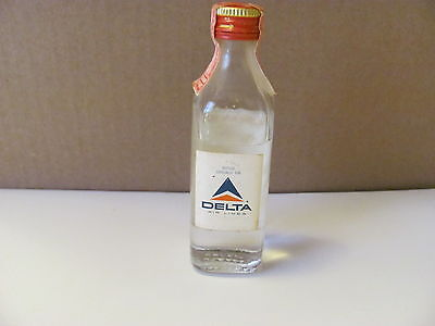 VINTAGE DELTA AIRLINES Beefeater London Dry Gin Glass Mini Bottle New York N.Y.