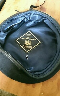 size 57 navy blue brand new officers beret. British Army,  Royal Navy