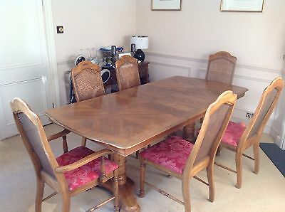 American oak extending dining room table, 4 chairs and 2 carvers