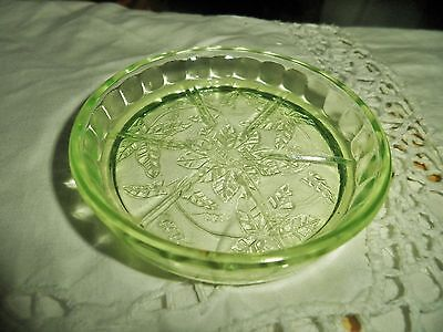 Pretty round VINTAGE Bagley uranium green glass pin ring tray for jewellery 1930