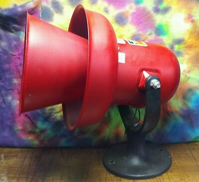AUDIBLE SIREN ALARM ~ FEDERAL SIGNAL CORP. ~ MODEL A ~ LARGE! Steam punk
