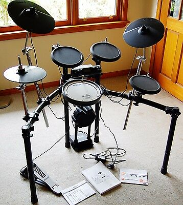 Roland TD-4 Electronic Drum Kit In Great Condition-Hardly Used
