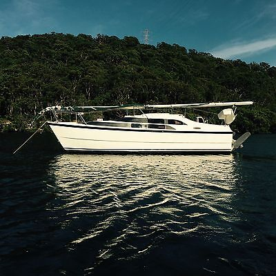 Trailer Sailer. Yacht Sail Boat Macgregor 26M Year 2005 7.9metre with trailor