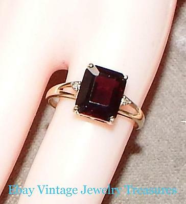 Vintage 10K Yellow Gold Red Garnet Ring Size 7.5 Estate