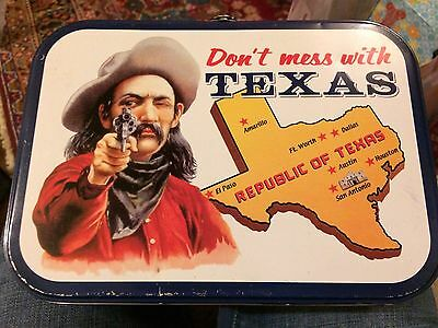 2000 Don't Mess With Texas Metal Lunchbox Great Condition