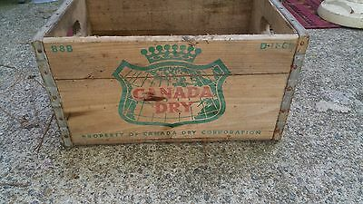 VINTAGE CANADA DRY Ginger Ale Metal Edged WOOD Soda Bottle Box Crate D-11-66