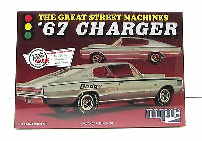 1967 Dodge Charger MPC 829 1/25 New Plastic Model Car Kit Great Street Machines