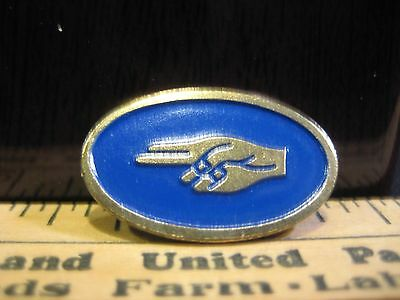 VTG Early 1970's GIRL SCOUT SCOUTS BADGE OLD ENAMELED BRASS PIN