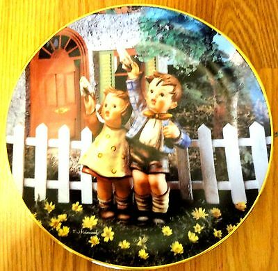 Come Back Soon Plate M I Hummel from the Little Companions Collections MINT