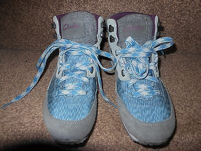 Clarks ladies walking boots,size 6