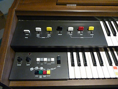 Yamaha Organ Electone Rarley Used In Excellent Condition With All Books