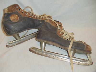 Vintage Two Tone Brown Black Leather Ice Hockey Skates Size 9 Wall Hangers USA
