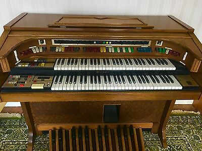 "Lowrey Electronic Organ ""Citation Console Theatre"""