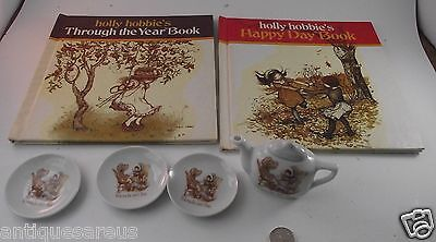 Holly Hobbie Collection Tea Pot W  3 Plates  Plus 2 Holly Hobbie Books