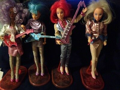 Jen And The Holograms 4 Figurines With Clothes And Instruments Vintage