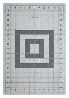 FISKARS 12-83707097 Cutting Mat,Self-Healing,12x18 In,Gray