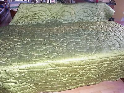Ancien couvre lit couverture boutis piqué vert anis 203x225 Old quilted coverlet