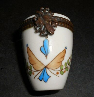 French Porcelain Trinket Pill or Snuff Box Vive le Roi
