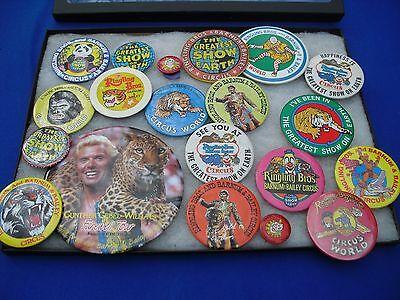 21 RINGLING BROS CIRCUS PINBACK BUTTON with Display Case