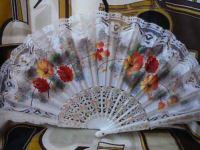 Ladies Vintage Hand Fan Cream Lace & Fabric Good Conditoin