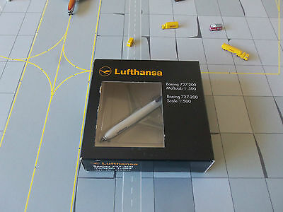Herpa Wings 515917 Lufthansa 727 - 200  Version 1   RARE Model Edition