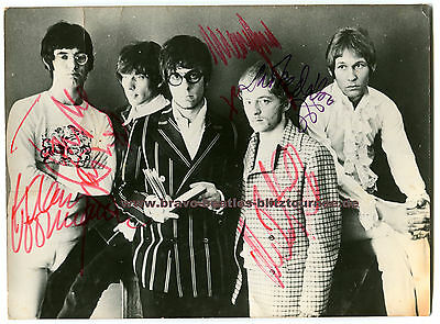 Manfred Mann (band) 1967 signed photo Beatles autograph Klaus Voormann
