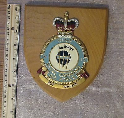 Vintage Royal Canadian Air Force Wing IV Auf Wacht Metal Wood Plaque