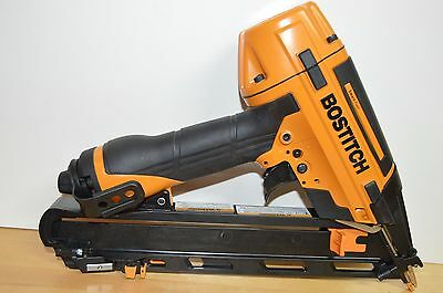 Bostitch BTFP72155 15-Guage Heavy Duty Smart Point DA Style Finish Nailer & Sqr