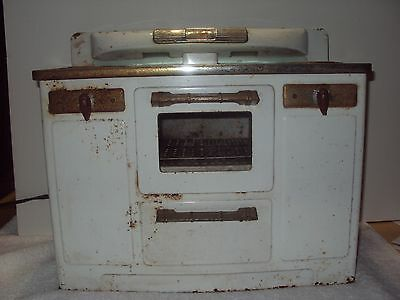 Vintage Little Lady Metal Electric Tin Toy Kitchen Oven Stove Working