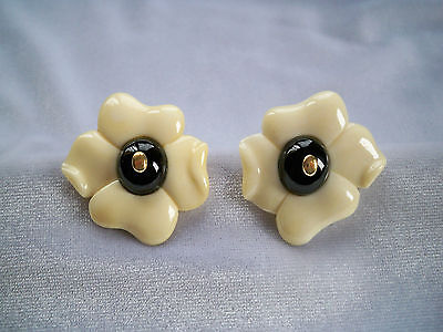 Vintage Kai Yin Lo Hand Carved White Flower With Onyx Center Vermeil Earrings
