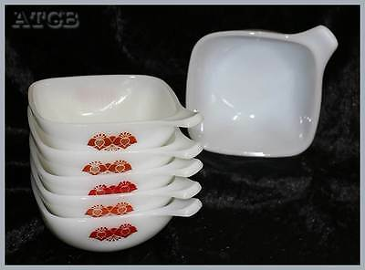 Vintage retro Pyrex milk glass set of 6 flower design ramekins 12cm across