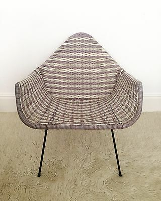Original 1950's Purple & White Plastic And Metal Woven Loom Cocktail Chair