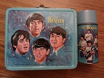 """The Beatles LunchBox"" U.S. 1965 w/ Aladdin tag on side & thermos holder vg cond"