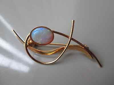 Stunning ladies gold-plated 925 silver opal-set brooch.