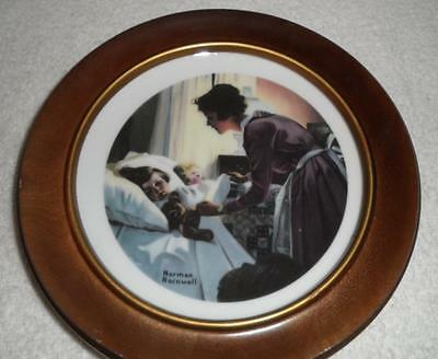 "6"" porcelain collector plate/8"" wood frame Norman Rockwell ""Mothers Love""VGC"