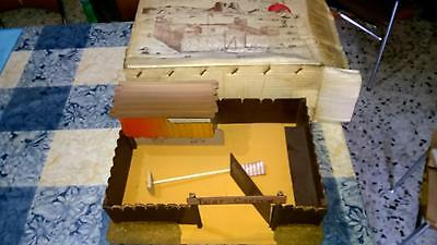 Forte Fortino Far West Fort Carson 1/32   Made In Italy Raro